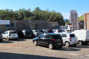 Valor de R$ 3,00 cobrado pelo estacionamento da Santa Casa deixa a populaçã