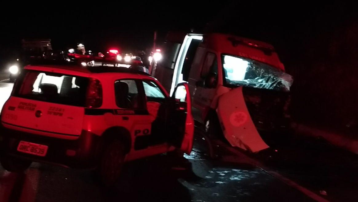 Ao fugir de polícia estudante da Medicina bate em carro do Samu e morre